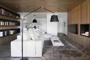 Artemide-Tolomeo-Mega-Floor-Lamp-Zoom2